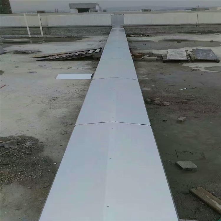 工地现场屋面变形缝